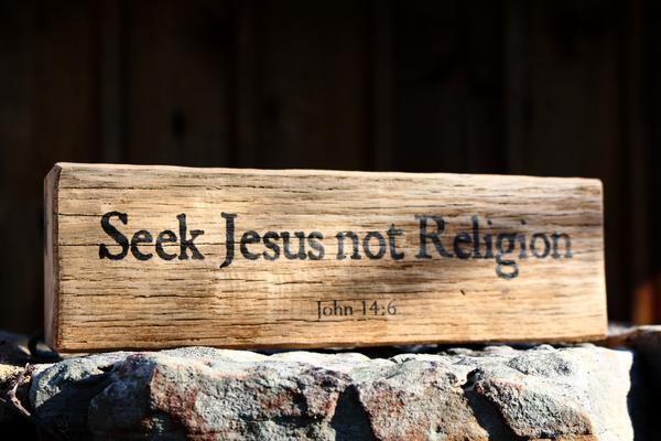 john-14-6-seek-jesus-not-religion-reclaimed-barnwood-message-block_grande